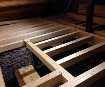 Nouvelle charpente pour le premier étage en sapin contrecollé et lamellé collé