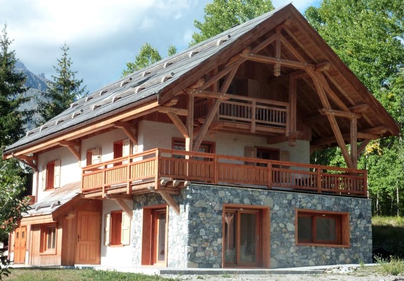 Habillage pierre du RDC de la maison ossature  bois - Pelvoux, Hautes-Alpes