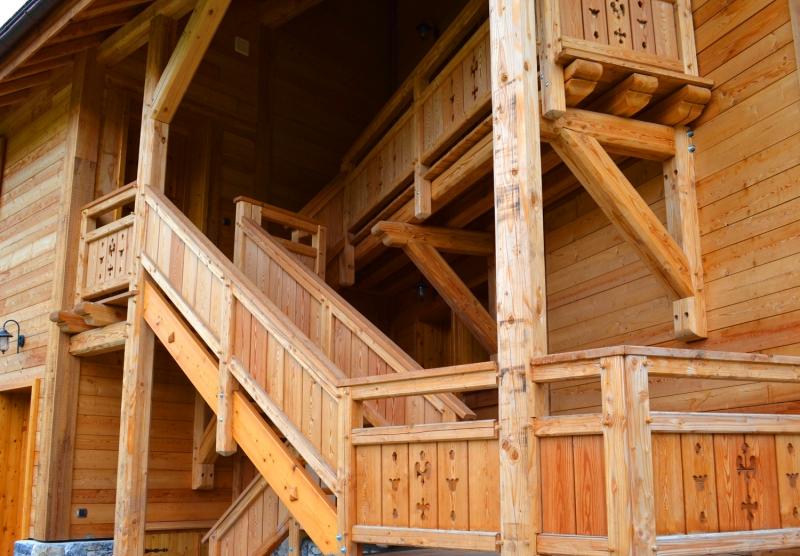 Escalier mélèze commun ouvragé - Pelvoux, Hautes-Alpes
