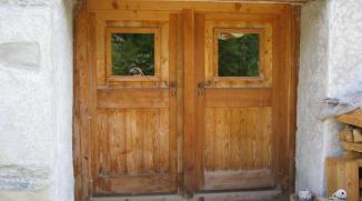 Portail double vanteau en mélèze