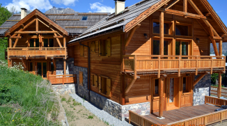 Chalet bois grand standing les Alberts