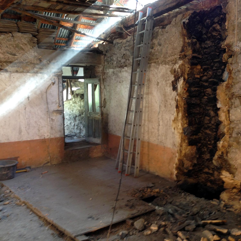 R novation d 39 une vieille grange vallouise 05 alp - Renovation d une vieille maison ...