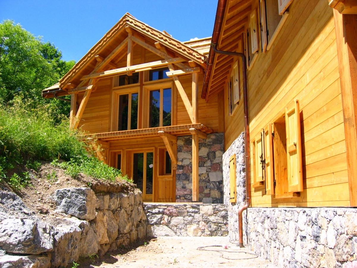 Chalet ossature bois puy st vincent hautes alpes alp for Construction chalet