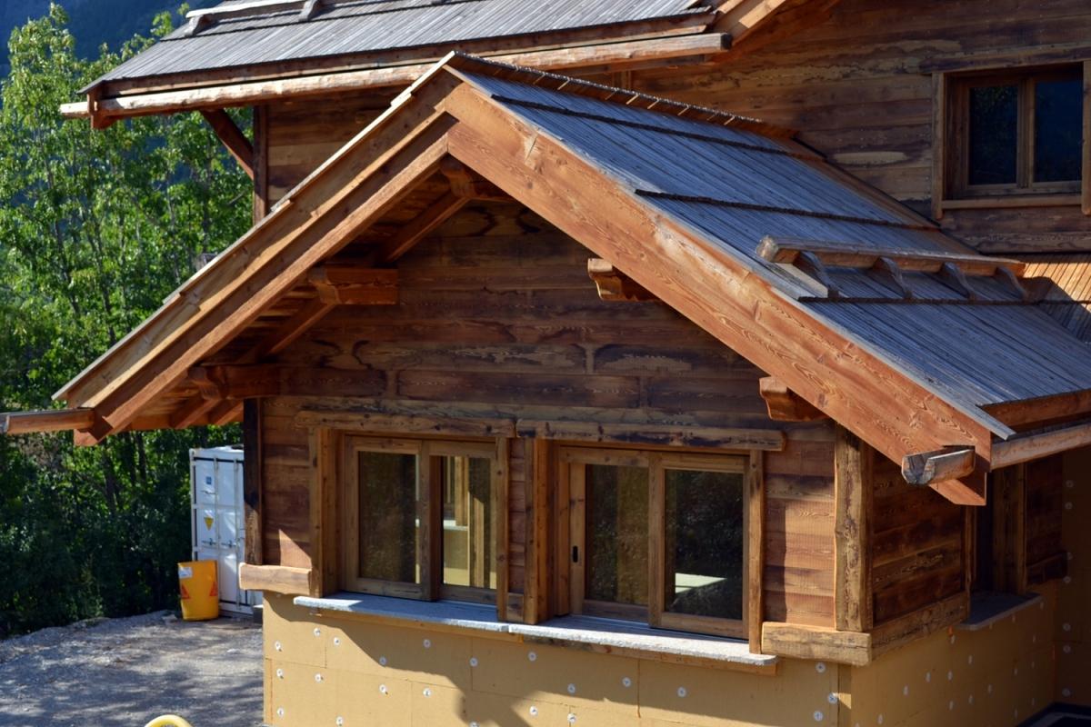 Chalet ossature bois tr s grand standing pelvoux alp 39 ecrins construction for Construction chalet bois 05