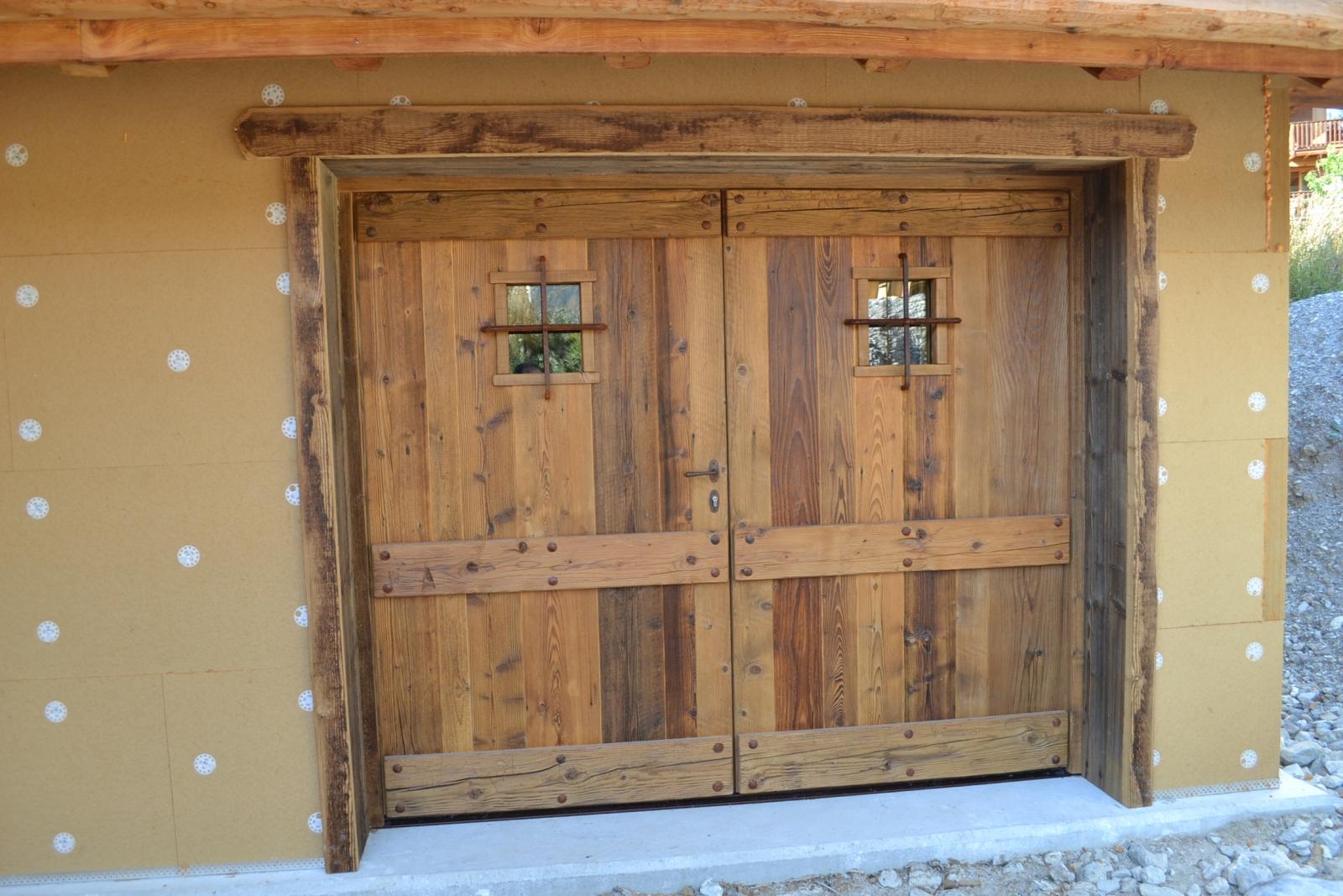 Vieux Portail En Bois le vieux bois : un matériau noble et chaleureux | alp'ecrins