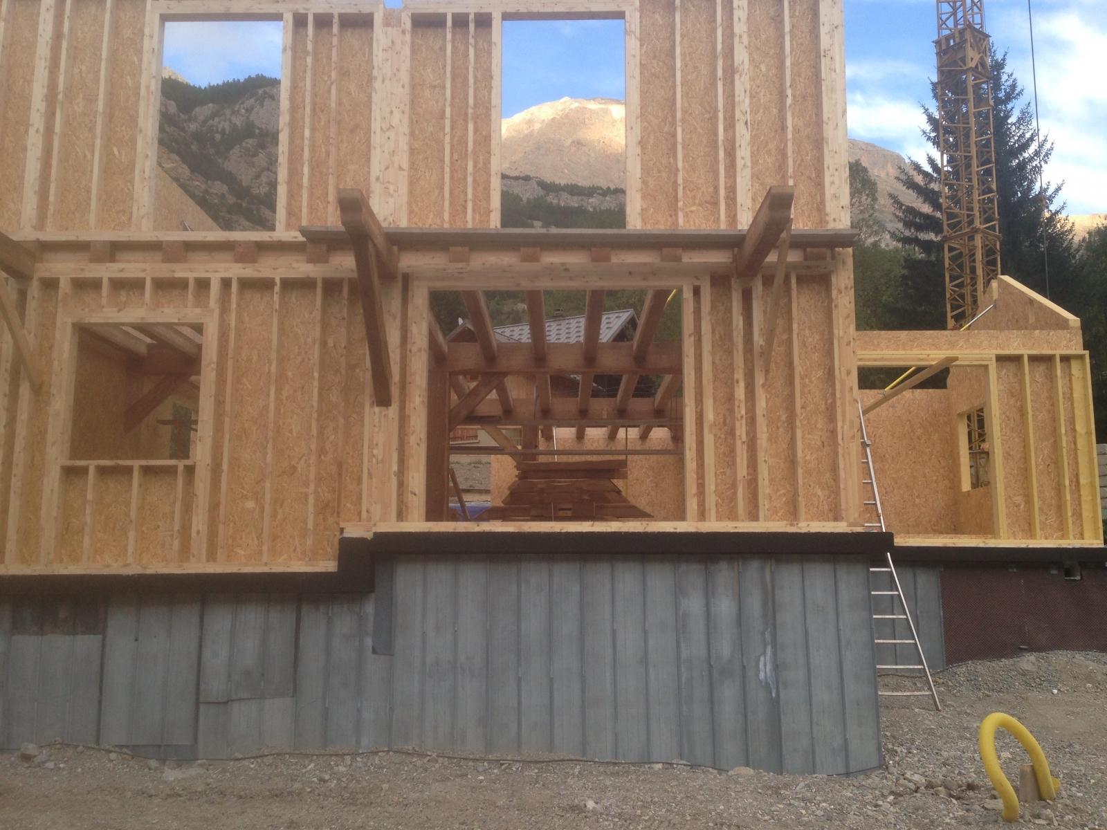 construction de chalet bois et maison ossature bois. Black Bedroom Furniture Sets. Home Design Ideas